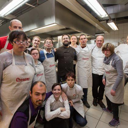Kuharska ekipa za dobrodelno večerjo.